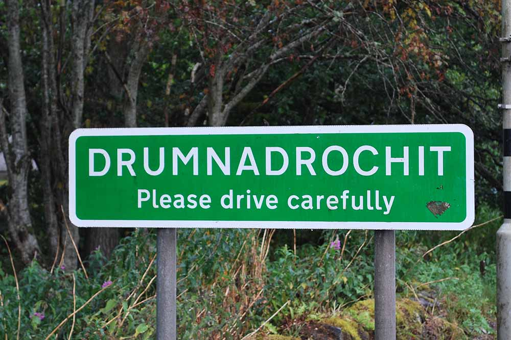 welcome to drumnadrochit road sign